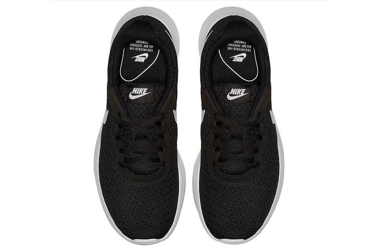 Nike Women's Tanjun Running Shoe (Black/White, Size 8 US)
