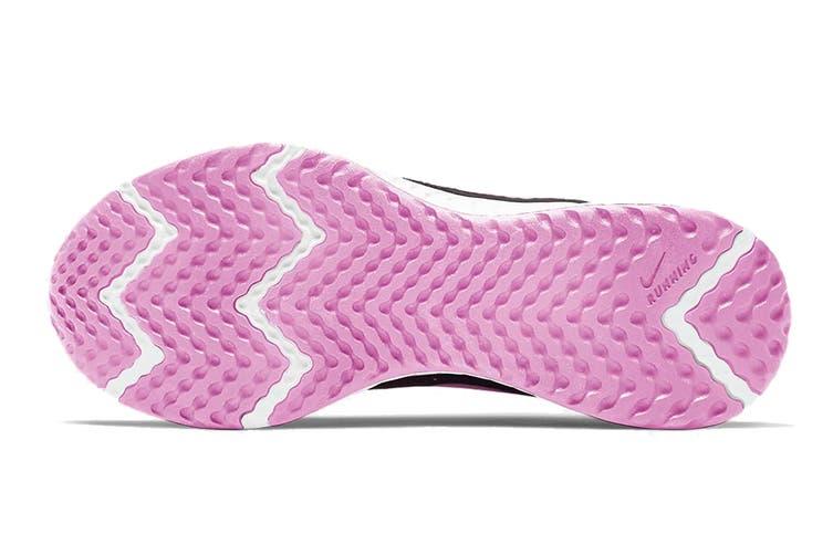 Nike Women's Revolution 5 Running Shoe (Black, Size 5 US)
