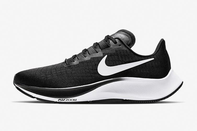 Nike Women's Air Zoom Pegasus 37 Running Shoe (Black, Size 7.5 US)