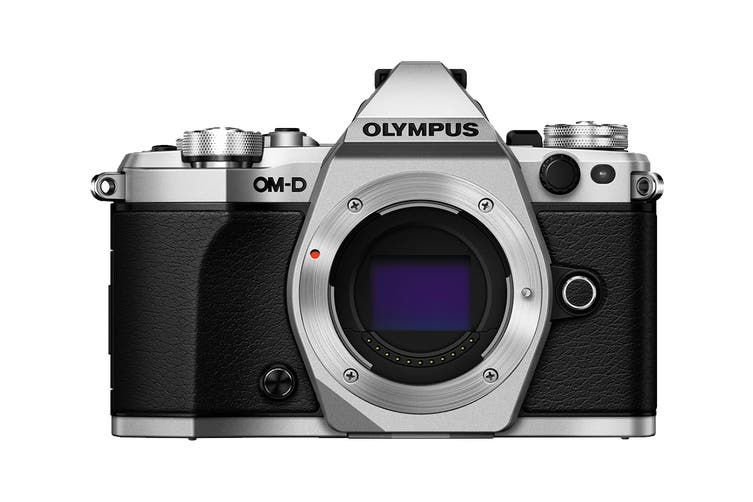 Olympus OM-D E-M5 Mark II Mirrorless Camera Adventure Kit with EZ-M1415-2 Lens - Silver