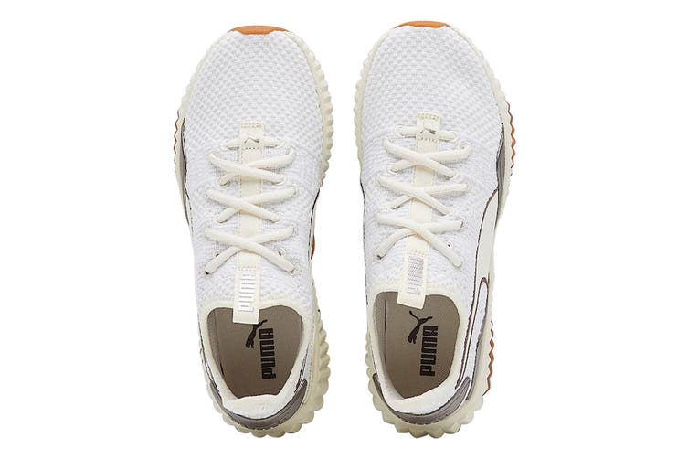 PUMA Women's Defy Luxe Shoe (Whisper White/Metalic Ash, Size 7)