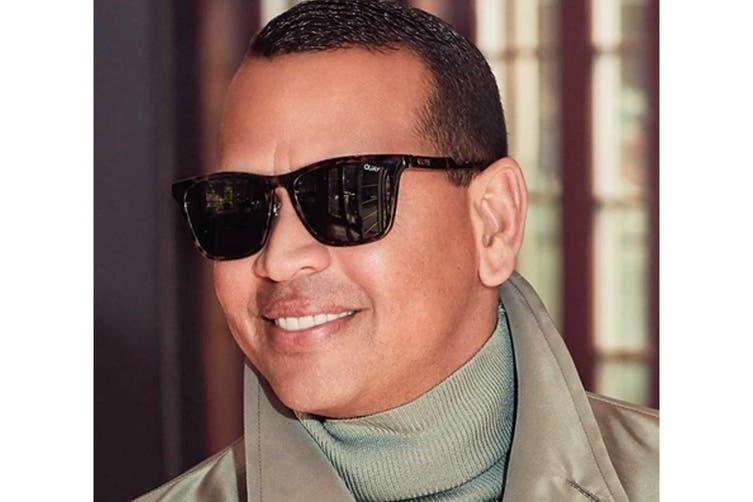Quay RECKLESS Sunglasses (Orange Tortoise, Size 45-20-151) - Navy
