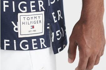 Tommy Hilfiger Men's Modern Essentials Tee (Deep Blue)