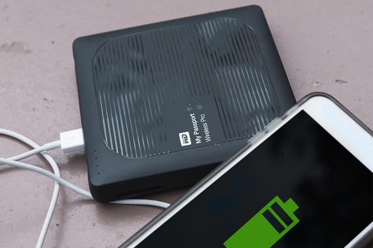 WD My Passport 2TB Wireless Pro (WDBP2P0020BBK-NESN)