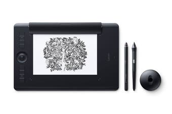 Wacom Intuos Pro Medium with Wacom Pro Pen 2 with Paper Kit
