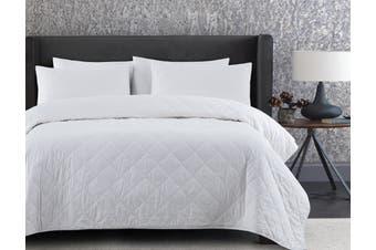 Dreamaker Summer Bamboo & Cotton Blend Quilt Super King Bed