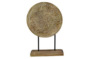 Wood carved table decor