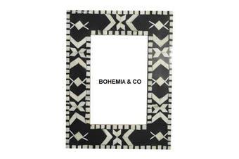 Black /white frame