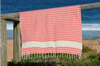 Compact Lifestyle Beach Wave Turkish Towel – Red