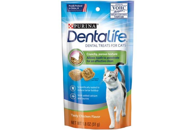 Dentalife Daily Oral Care Dental Cat Treats Chicken 51g