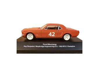 Atlas 1/43 Ford Mustang 1965 BTCC Champion - Roy Pierpoint (Weybridge Engineering Co.)