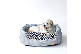 Round Dog Bed, Light Blue & Chevron Pattern - Large (75cm)