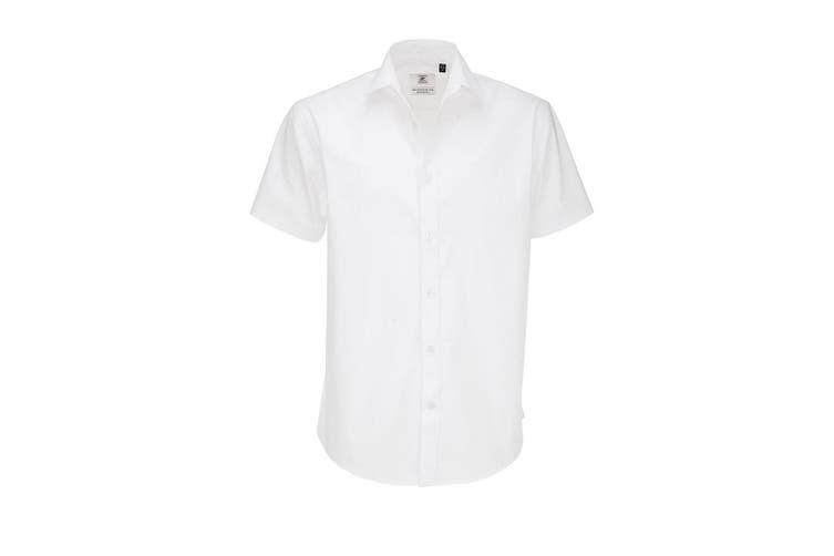 B&C Mens Black Tie Short Sleeve Formal Work Shirt (White) (XL)
