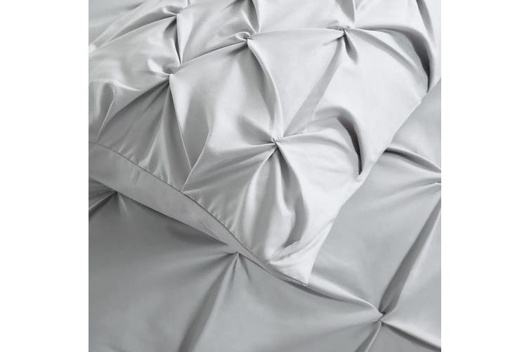 DreamZ Diamond Pintuck Duvet Cover Pillow Case Set in Double Size in Charcoal