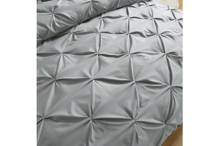DreamZ Diamond Pintuck Duvet Cover and Pillow Case Set in UK Size in Navy Colour