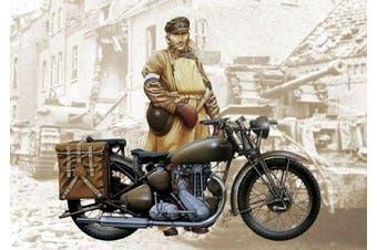 Carson 510007402 - 1: 9 Triumph Motorcycle