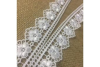 Trim Lace Daisy Fan Scallops Design Thick Quality Venise 3.2cm Wide, White. Use Examples: Garments Bridal Decorations Crafts Veils Costumes 2 Yds - Amore Fabrics