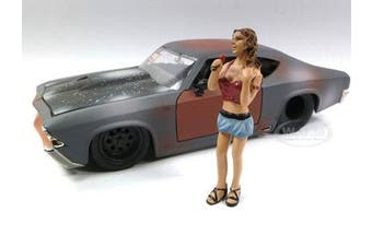 LOOK OUT GIRL MONICA FIGURE 1:24 SCALE DIECAST MODEL CARS AMERICAN DIORAMA 23819