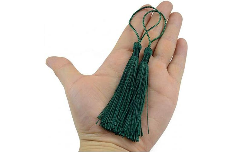 (White&Dark Green, M) - Makhry 100pcs Imported Vintage Hard Kraft Paper Bookmarks Paper Gift Tags Wedding Favour Boutonniere Favour with Handmade Silky Tassels (White & Dark Green, M)