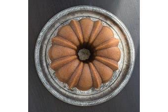 (bronze) - Nordic Ware Pro Cast Original Bundt Pan Bakeware, 12 Cup, Bronze