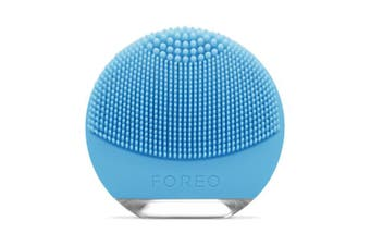 FOREO LUNA Go Portable and Personalised Facial Cleansing Brush for Combination Skin