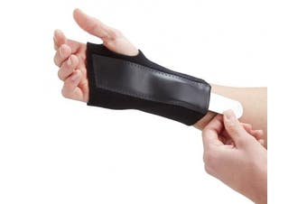 (Medium Left (15-17 cm)) - Actesso Advanced Wrist Support Carpal Tunnel Splint - Black Wrist Brace for Immediate Pain Relief from Carpal Tunnel Syndrome, Wrist Pain, Sprains, RSI and Arthritis - Medically Approved - NHS Use