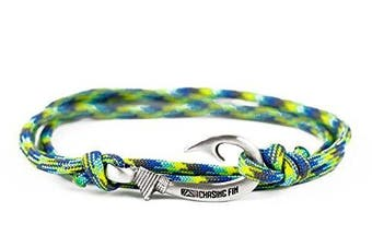 (Waterworld) - Chasing Fin Adjustable Bracelet 550 Military Paracord with Fish Hook Pendant