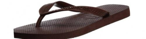 (3-4 UK, Dark Brown) - Havaianas Unisex Top Flip Flops Size: 3-4 UKColour: Dark Brown These Havaianas flip flops have the following features: The Havaianas Flip Flops Top are trendy light white flip flops for kids. Rubber foot sole with a rice grain pattern Rubber foot strap The text 'Havaianas' on the foot strap These flip flops are very comfortable. They are anti-slip and quickdry. Havaianas The brand Havaianas is founded is 1962. The design of the flip flops are inspired by the Zori, Japanese sandals. The rice grain pattern on those sandals are still used on the foot sole of the Havaianas. Flip flops have become part of the modern day culture. Tags: flip flops, flipflops.