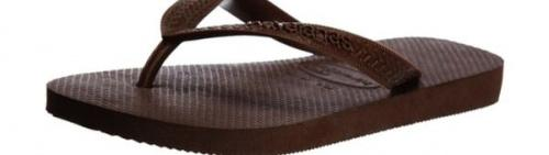 (10-11 UK, Dark Brown) - Havaianas Unisex Top Flip Flops Size: 10-11 UKColour: Dark Brown These Havaianas flip flops have the following features: The Havaianas Flip Flops Top are trendy light white flip flops for kids. Rubber foot sole with a rice grain pattern Rubber foot strap The text 'Havaianas' on the foot strap These flip flops are very comfortable. They are anti-slip and quickdry. Havaianas The brand Havaianas is founded is 1962. The design of the flip flops are inspired by the Zori, Japanese sandals. The rice grain pattern on those sandals are still used on the foot sole of the Havaianas. Flip flops have become part of the modern day culture. Tags: flip flops, flipflops.