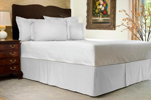 Cal King 36cm Drop White White Bed Skirt Cal King Bed Skirt 36cm Drop Tailored Pleated Striped Bedskirt Dust Ruffle With Split Corners And Platform Solid Poly Cotton 300tc Fabric Matt
