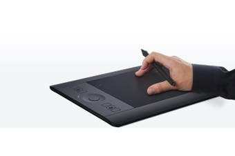 Wacom Intuos Pro (S) graphic tablet 5080 lpi 160 x 100 mm USB/Bluetooth Black