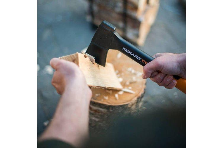 Fiskars X7 Camping Hunting Axe  Xs - Block Cutting Chopping #121423